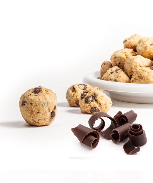 Perle al cioccolato con piatto